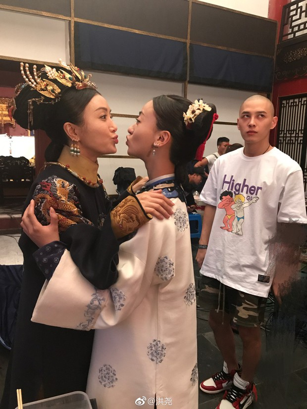 Lầy đến mức khó đỡ như bộ sậu Diên Hi Công Lược: Càn Long đòi hẹn hò Cao Quý Phi, Thuận Tần đi đẻ vẫn nghiện xem phim - Ảnh 13.