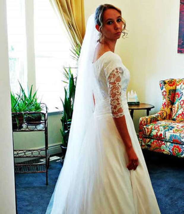 Mỹ: Cô dâu nghiêm túc huỷ hôn chỉ vì chồng tương lai xem phim người lớn - Ảnh 2.