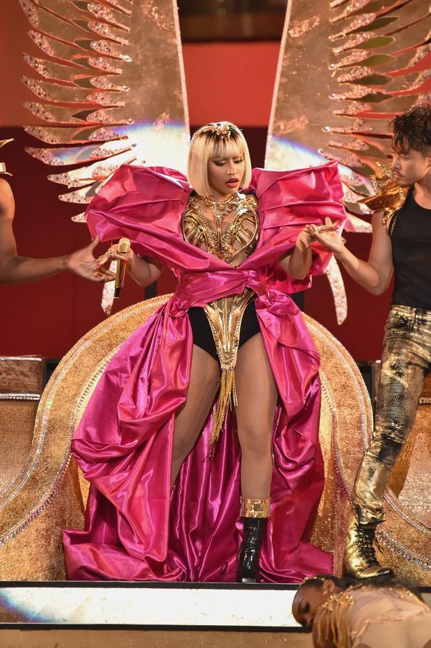 Kết quả khảo sát nghệ sĩ được trông chờ nhất VMAs: Ariana áp đảo 98%, Nicki 1% - Ảnh 3.