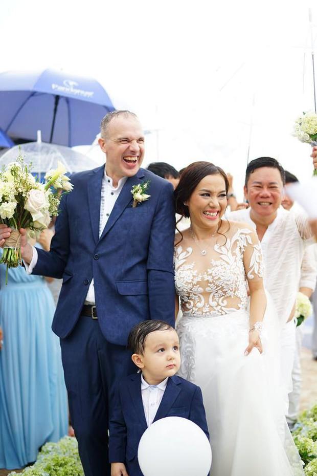 Cô dâu mới Lý Thanh Thảo đập đầu vào thành bể bơi, phải nhập viện kiểm tra ngay đêm tân hôn - Ảnh 5.