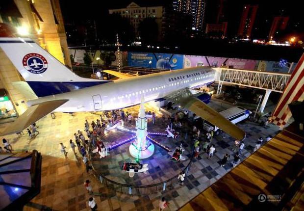 Đại gia Trung Quốc bỏ 30 tỷ đồng để mua nguyên cái máy bay rồi biến thành nhà hàng, thực hiện giấc mơ từ thuở bé - Ảnh 4.