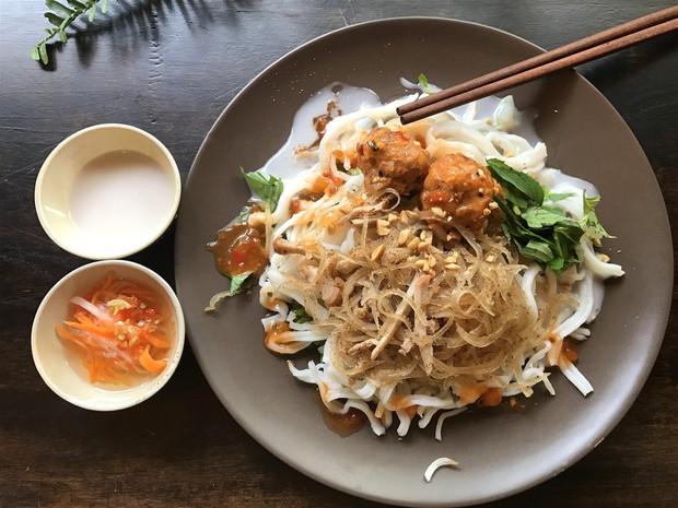 Tuy chỉ là nhân vật phụ nhưng bì heo lại vô cùng tỏa sáng trong nhiều món ăn ở Sài Gòn - Ảnh 4.