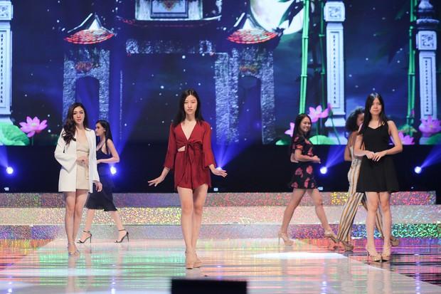"""Top 15 của """"Miss Supranational Vietnam 2018"""" gấp rút luyện tập trên sân khấu Hàn Quốc trước chung kết tối nay - Ảnh 1."""