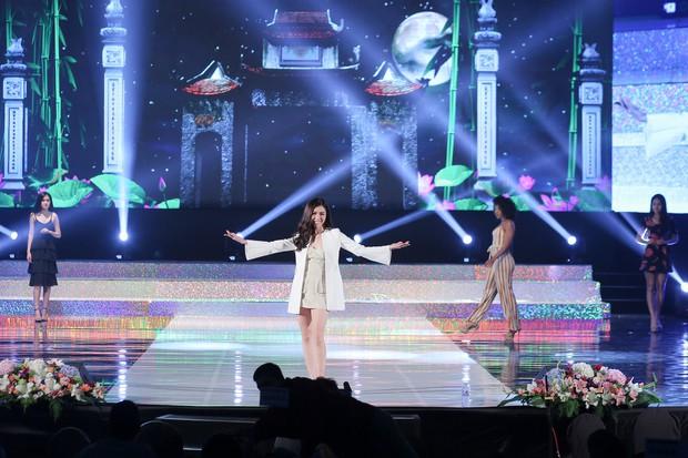 """Top 15 của """"Miss Supranational Vietnam 2018"""" gấp rút luyện tập trên sân khấu Hàn Quốc trước chung kết tối nay - Ảnh 2."""