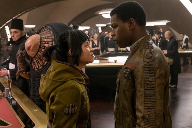 Lời đáp trả đanh thép được cả Hollywood ngưỡng mộ của sao Star Wars gốc Việt trước nạn kì thị chủng tộc - Ảnh 5.