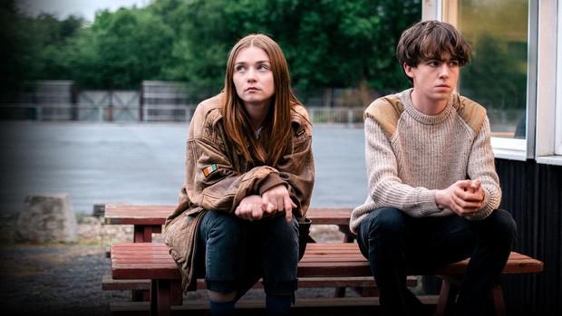 Phim tình cảm gà bông thời tận thế cực cool của Netflix công bố sẽ có phần 2 - Ảnh 1.