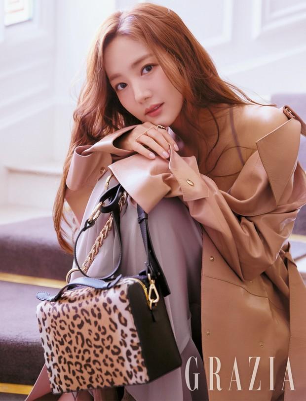 4 mỹ nhân hạng A đọ sắc trên tạp chí: Khó chọn giữa Kim Ji Won và Park Min Young, bạn gái G-Dragon sexy bùng nổ - Ảnh 4.