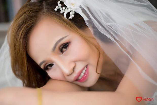 Cô dâu 61 ôm chặt chú rể 26 tuổi hạnh phúc tuyển bố trước thềm đám cưới: Tôi chuẩn bị là cô dâu trẻ và xinh đẹp nhất thế giới - Ảnh 2.