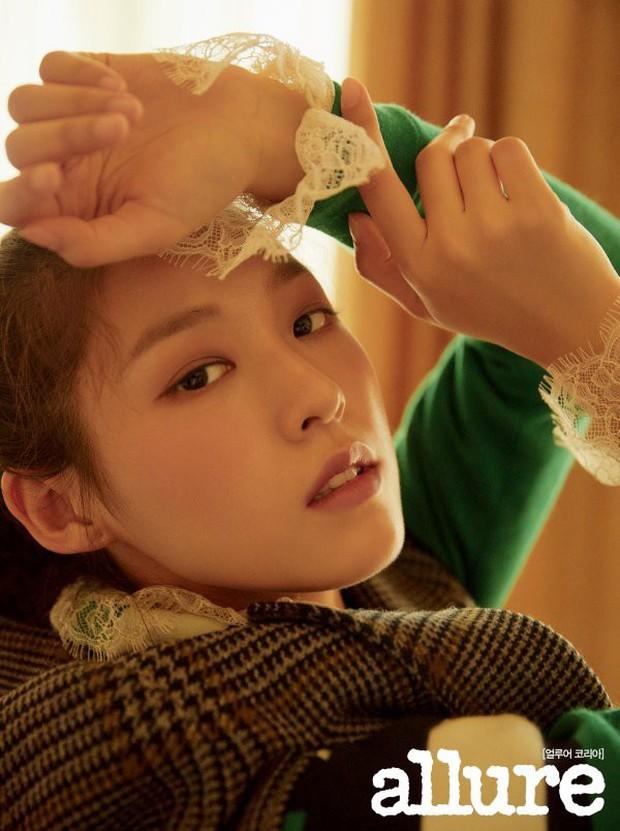 4 mỹ nhân hạng A đọ sắc trên tạp chí: Khó chọn giữa Kim Ji Won và Park Min Young, bạn gái G-Dragon sexy bùng nổ - Ảnh 8.