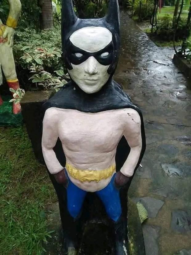 Các siêu anh hùng của DC và Marvel tề tựu trong công viên có tính giải trí cao nhất mọi thời đại - Ảnh 7.