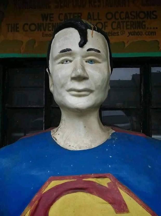 Các siêu anh hùng của DC và Marvel tề tựu trong công viên có tính giải trí cao nhất mọi thời đại - Ảnh 2.