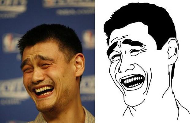 Chàng trai gây chú ý với chiều cao hơn 2m không kém người khổng lồ NBA Yao Ming trên đường phố Trung Quốc - Ảnh 1.