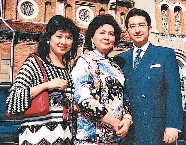 Em gái vua sòng bạc Macau Hà Hồng Sân qua đời, để lại gia tài hàng tỉ đô cùng chuyện tình loạn luân gây sốc dư luận - Ảnh 4.