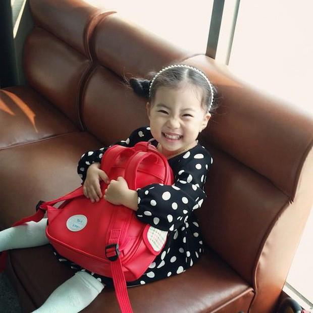 Cô bé Hàn Quốc gây bão vì clip nói không với người lạ ngày nào đã lớn và xinh xắn lắm rồi! - Ảnh 1.