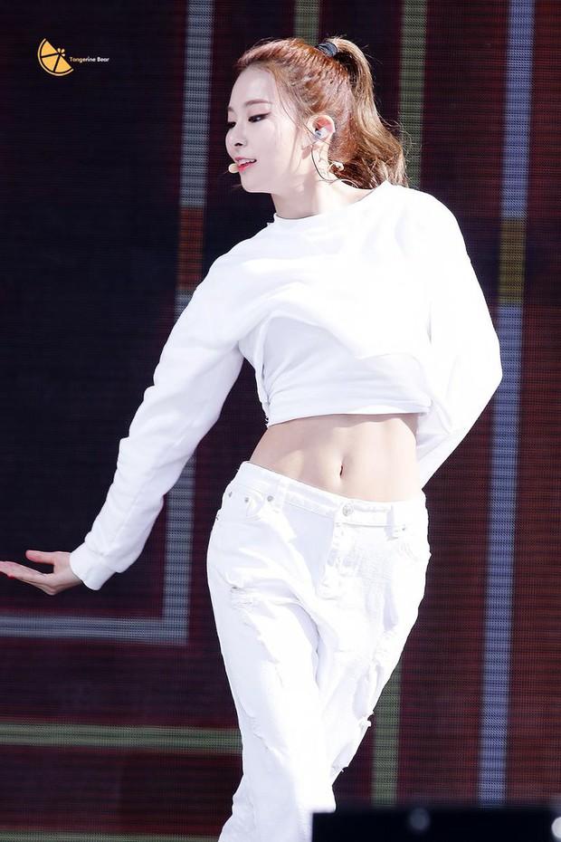 Tìm ra mỹ nhân sở hữu body đỉnh đến mức lọt top 3 hot nhất nhà SM, thậm chí còn có thể so với Yuri và Krystal? - Ảnh 4.