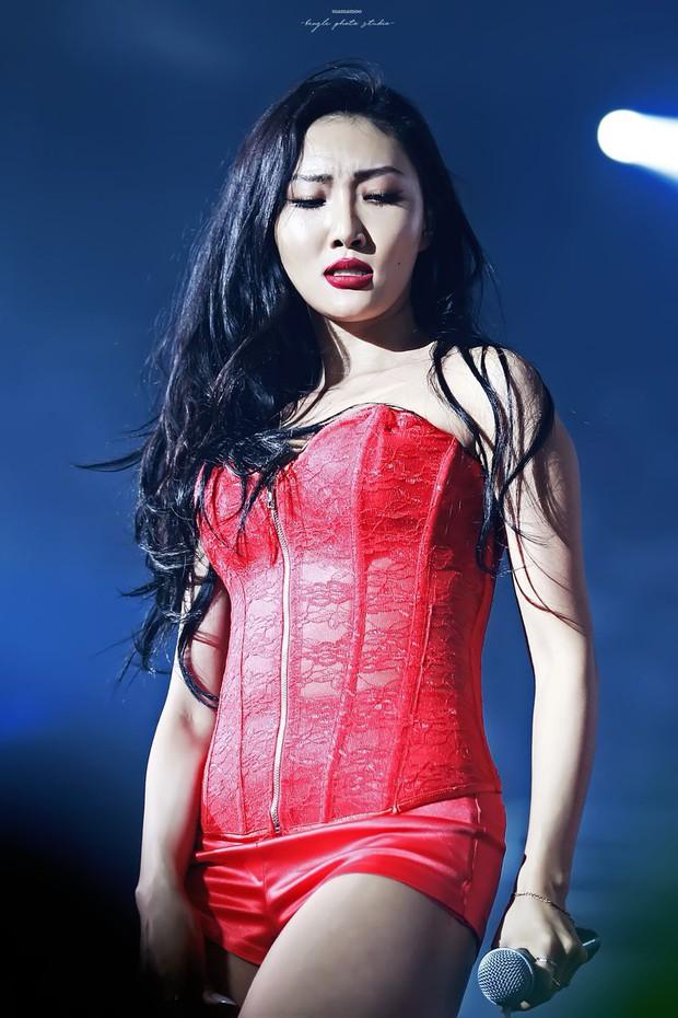 Liên tục lấn át Hyuna vì quá nóng bỏng, em út sinh năm 1995 của MAMAMOO liệu sẽ trở thành tân nữ hoàng sexy Kpop? - Ảnh 1.