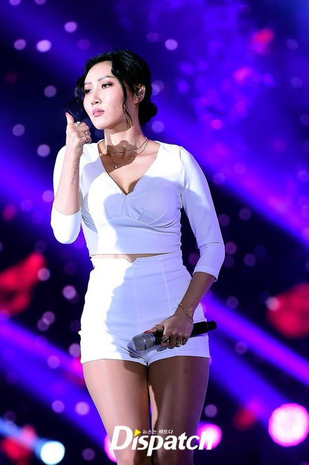 Liên tục lấn át Hyuna vì quá nóng bỏng, em út sinh năm 1995 của MAMAMOO liệu sẽ trở thành tân nữ hoàng sexy Kpop? - Ảnh 12.
