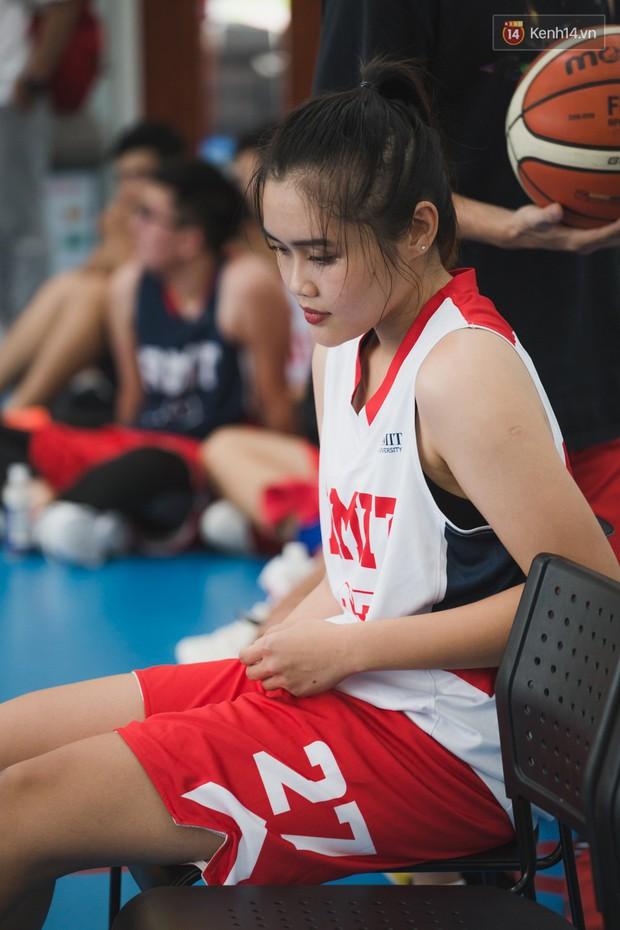 CLB bóng rổ - hội nhóm hot nhất trường RMIT quy tụ cả dàn trai xinh, gái đẹp cool ngầu hết nấc! - Ảnh 6.