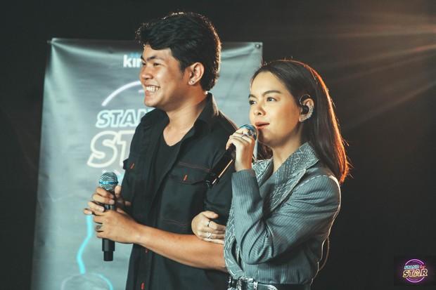 Phạm Quỳnh Anh hát liên tục hơn 20 ca khúc, bật khóc khi được dàn khách mời và khán giả chúc mừng sinh nhật sớm - Ảnh 4.