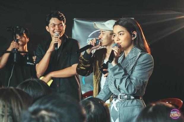 Phạm Quỳnh Anh hát liên tục hơn 20 ca khúc, bật khóc khi được dàn khách mời và khán giả chúc mừng sinh nhật sớm - Ảnh 6.