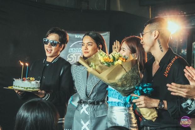 Phạm Quỳnh Anh hát liên tục hơn 20 ca khúc, bật khóc khi được dàn khách mời và khán giả chúc mừng sinh nhật sớm - Ảnh 12.