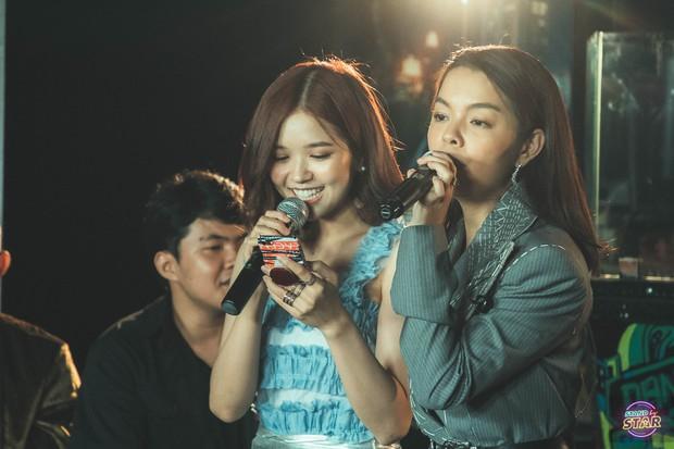 Phạm Quỳnh Anh hát liên tục hơn 20 ca khúc, bật khóc khi được dàn khách mời và khán giả chúc mừng sinh nhật sớm - Ảnh 11.