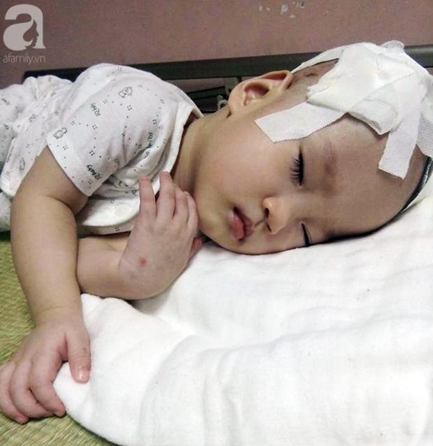 Cha nghèo tha hương cứu con gái 14 tháng tuổi nằm viện từ lúc lọt lòng vì căn bệnh quái ác - Ảnh 1.