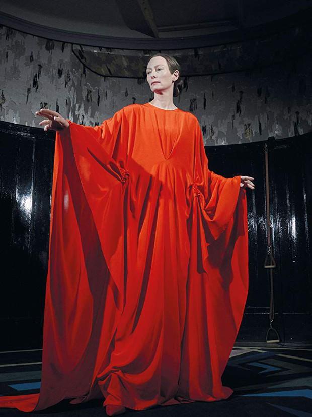 Clip: Người đẹp 50 Sắc Thái thả hồn vào vũ khúc ma mị trong trailer kinh dị Suspiria - Ảnh 8.
