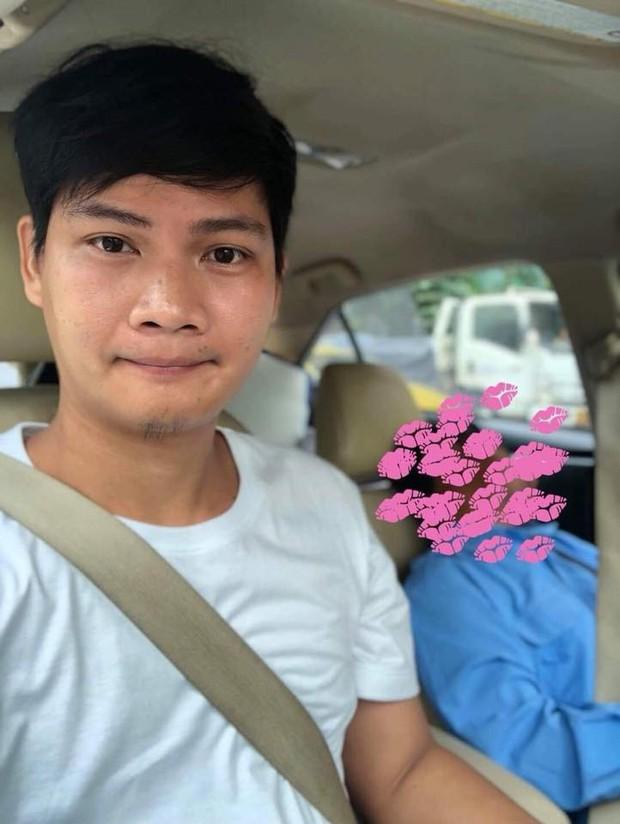 Góc hồn nhiên: Tài xế taxi nhờ hành khách lái xe hộ rồi lăn ra ngủ, đến nơi vẫn được trả tiền không thiếu một xu - Ảnh 2.