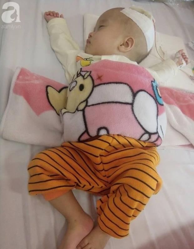 Cha nghèo tha hương cứu con gái 14 tháng tuổi nằm viện từ lúc lọt lòng vì căn bệnh quái ác - Ảnh 4.