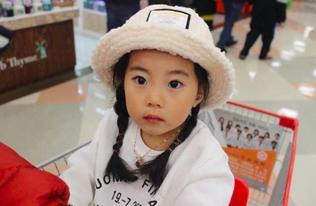 Cô bé Hàn Quốc gây bão vì clip nói không với người lạ ngày nào đã lớn và xinh xắn lắm rồi! - Ảnh 9.