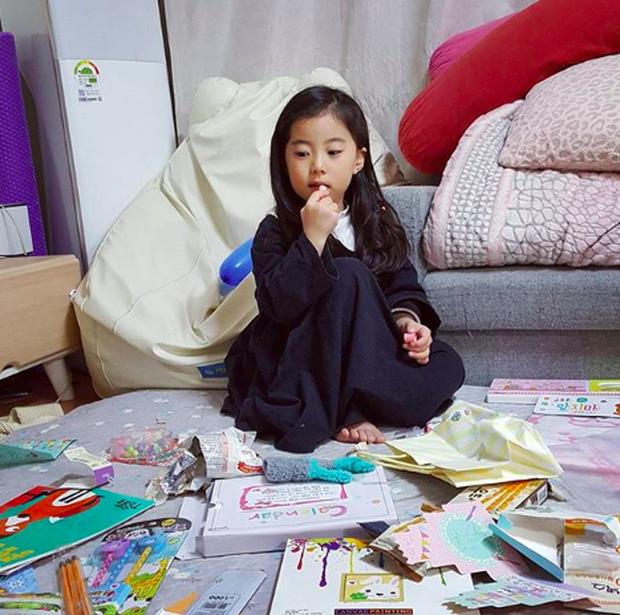 Cô bé Hàn Quốc gây bão vì clip nói không với người lạ ngày nào đã lớn và xinh xắn lắm rồi! - Ảnh 8.