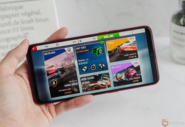 So sánh giọt nước OPPO F9 với tai thỏ iPhone X: Nhỏ hơn thôi là đẹp rồi - Ảnh 8.