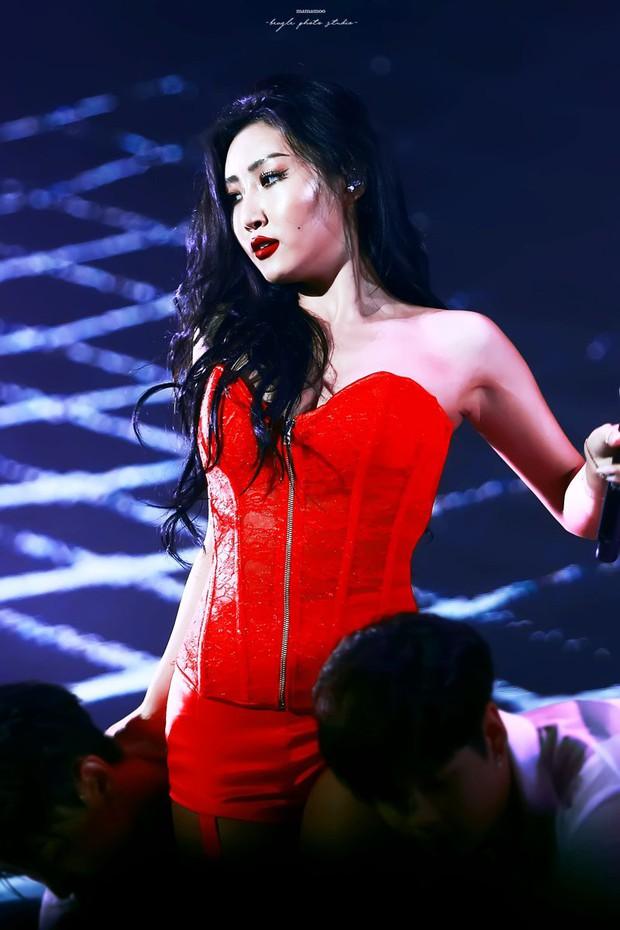 Liên tục lấn át Hyuna vì quá nóng bỏng, em út sinh năm 1995 của MAMAMOO liệu sẽ trở thành tân nữ hoàng sexy Kpop? - Ảnh 3.
