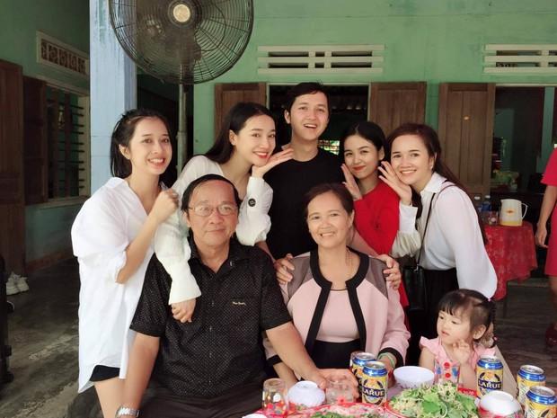Nhã Phương lần đầu chia sẻ sau lễ đính hôn với Trường Giang - Ảnh 1.