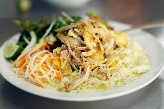 Chỉ cần dạo quanh Hà Nội, bạn vẫn có thể thưởng thức được hương vị Hội An qua những món ăn dưới đây - Ảnh 1.