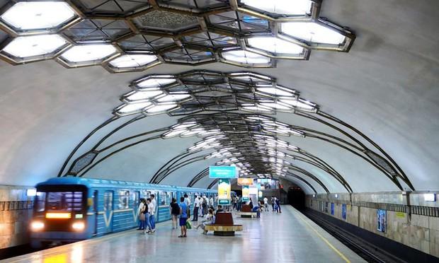 Ảnh: Khám phá ga tàu điện ngầm chống bom hạt nhân bí mật ở Uzbekistan - Ảnh 1.