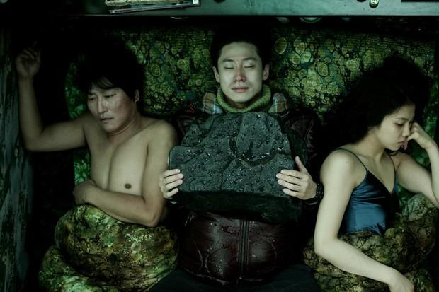 Tưởng rất bình thường, 7 phân cảnh phim Hàn này có thể gây ám ảnh lạnh sống lưng - Ảnh 1.