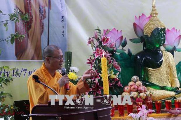 Đại lễ Vu Lan báo hiếu gắn kết cộng đồng người Việt ở Lào - Ảnh 1.