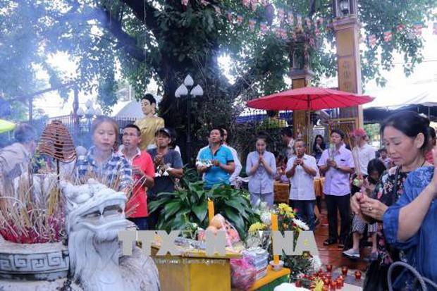 Đại lễ Vu Lan báo hiếu gắn kết cộng đồng người Việt ở Lào - Ảnh 2.