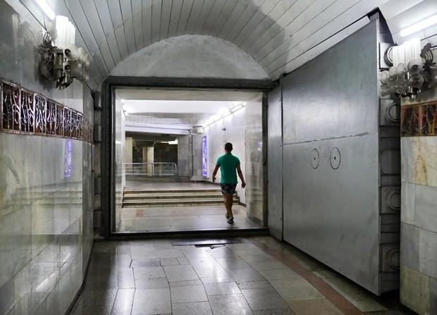 Ảnh: Khám phá ga tàu điện ngầm chống bom hạt nhân bí mật ở Uzbekistan - Ảnh 19.