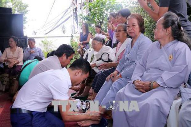 Đại lễ Vu Lan báo hiếu gắn kết cộng đồng người Việt ở Lào - Ảnh 3.