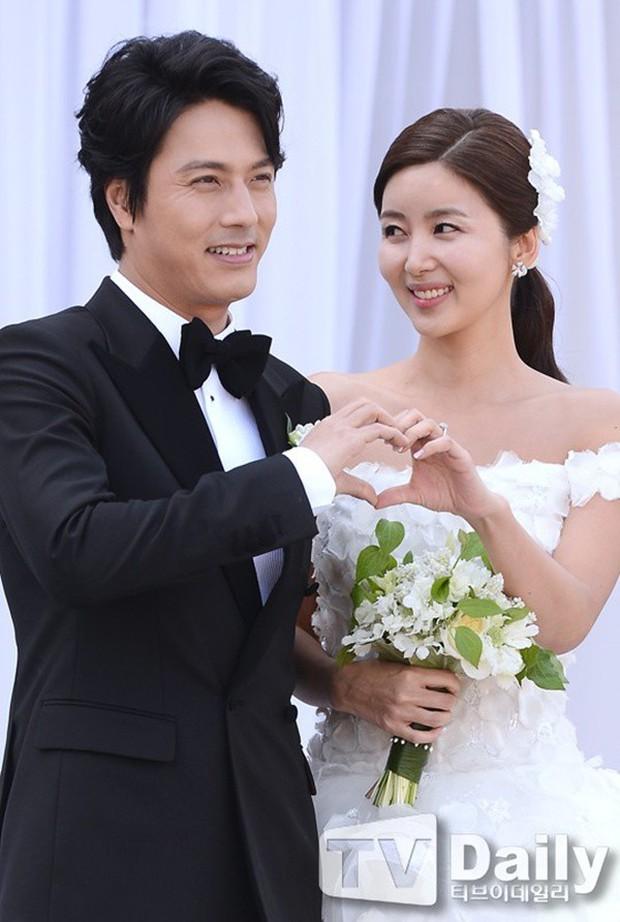 3 mỹ nhân Hàn làm dâu các tập đoàn tài phiệt lừng danh thế giới: Người đẹp nhất lại có câu chuyện gây phẫn nộ nhất - Ảnh 8.