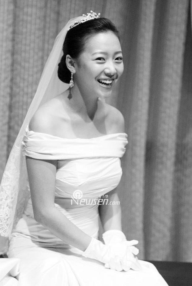 3 mỹ nhân Hàn làm dâu các tập đoàn tài phiệt lừng danh thế giới: Người đẹp nhất lại có câu chuyện gây phẫn nộ nhất - Ảnh 15.