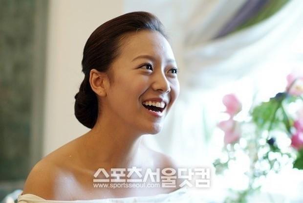 3 mỹ nhân Hàn làm dâu các tập đoàn tài phiệt lừng danh thế giới: Người đẹp nhất lại có câu chuyện gây phẫn nộ nhất - Ảnh 18.