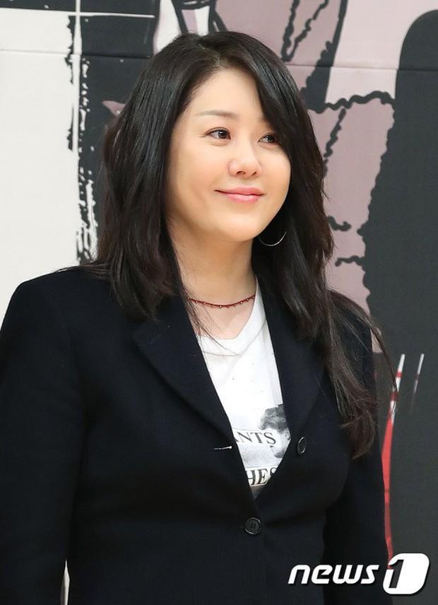 3 mỹ nhân Hàn làm dâu các tập đoàn tài phiệt lừng danh thế giới: Người đẹp nhất lại có câu chuyện gây phẫn nộ nhất - Ảnh 19.