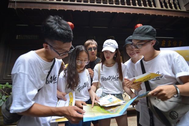 Jolie Nguyễn vẫn ngẩng cao đầu catwalk điệu nghệ dù thua Alex Fox tại thử thách Here We Go - Ảnh 2.