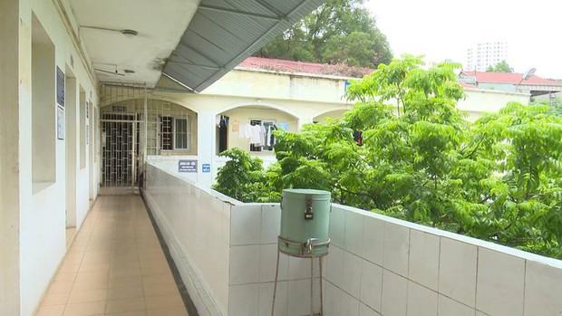 Tiếng thở dài phía sau cánh cổng Bệnh viện 09 - Ảnh 3.