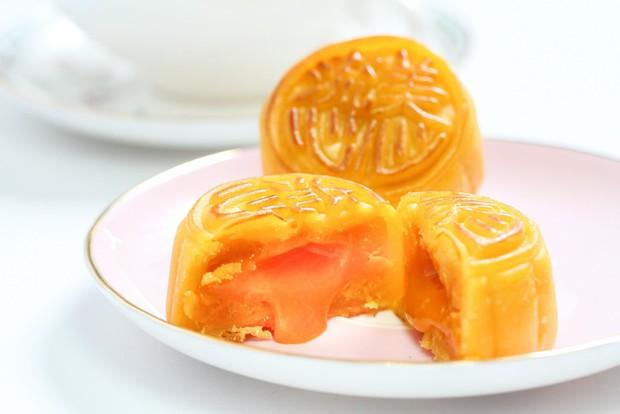 Ăn thử bánh trung thu lava made in Vietnam 100% được quảng cáo là cực phẩm ngon hơn bánh Hong Kong - Ảnh 1.