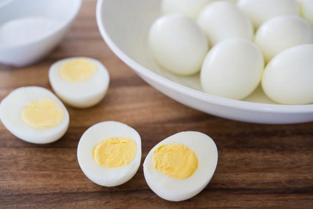 Mấy ngày Hà Nội nắng nóng thất thường, bạn nên bổ sung 6 loại thực phẩm này để ngăn ngừa tình trạng đau nửa đầu - Ảnh 3.